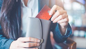 Restaurant Owners, Are You Accounting for Gift Cards Correctly?