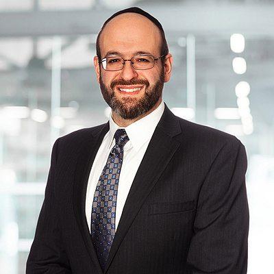 Moshe Golden's headshot